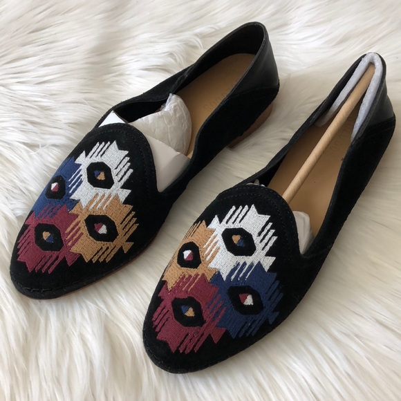 5c2681512d3 NWOT Soludos Embroidered Venetian Loafer. M 5ae8aba66bf5a605656a0ad0